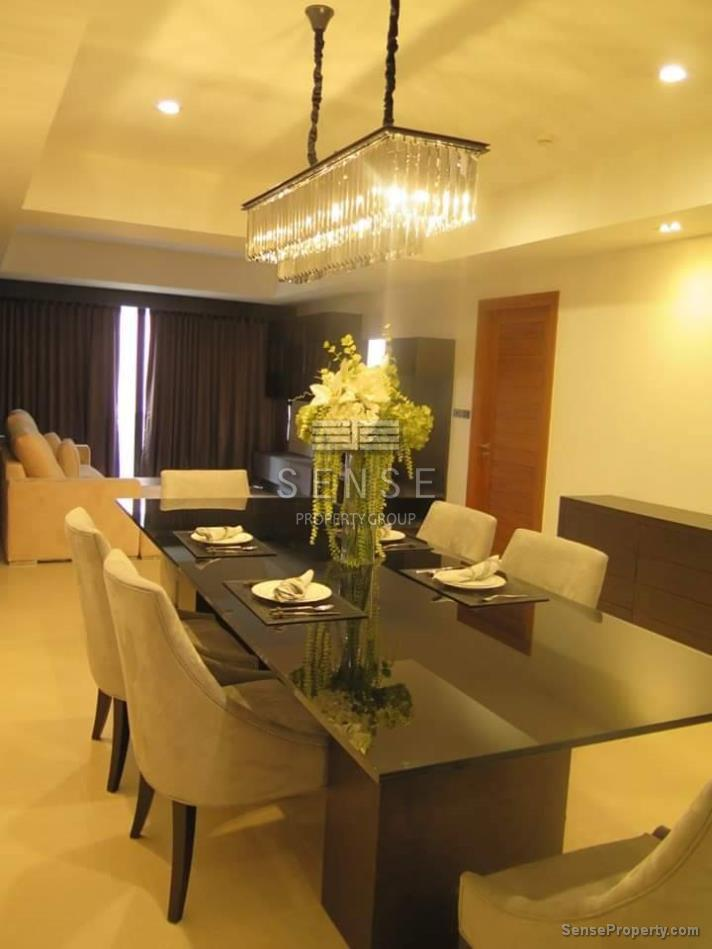 Contemporary 2 bedroom condo for rent in Phrompong-Bangkok